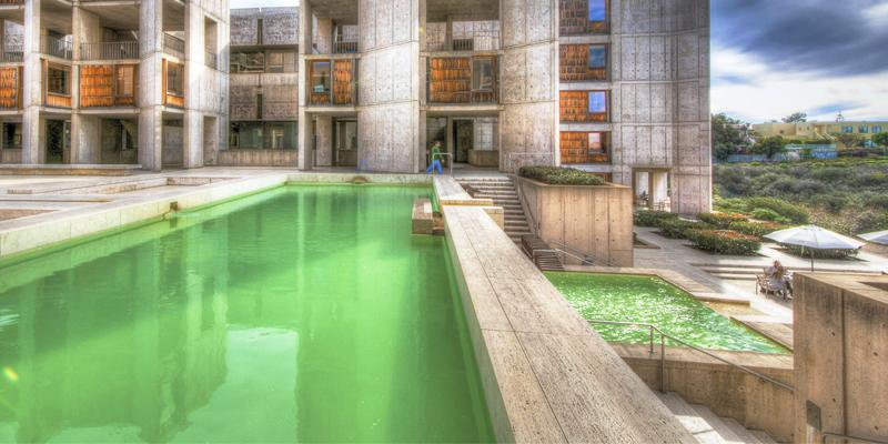Como evitar que a sua piscina fique verde no verão