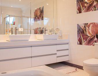 Banheiros: 8 maus hábitos que proliferam bactéria