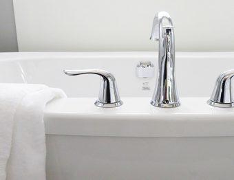 3 hábitos diários que podem manter seu banheiro sempre limpo