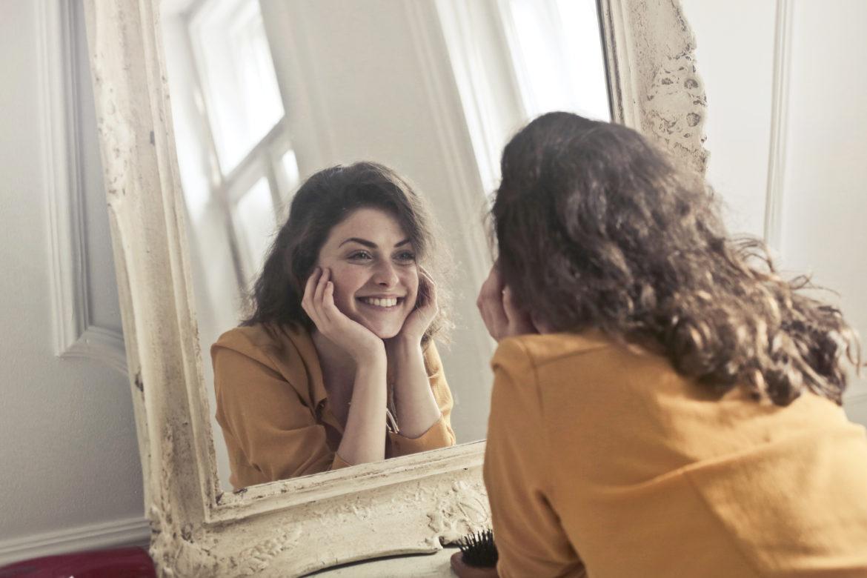 Como usar espelhos para valorizar o ambiente